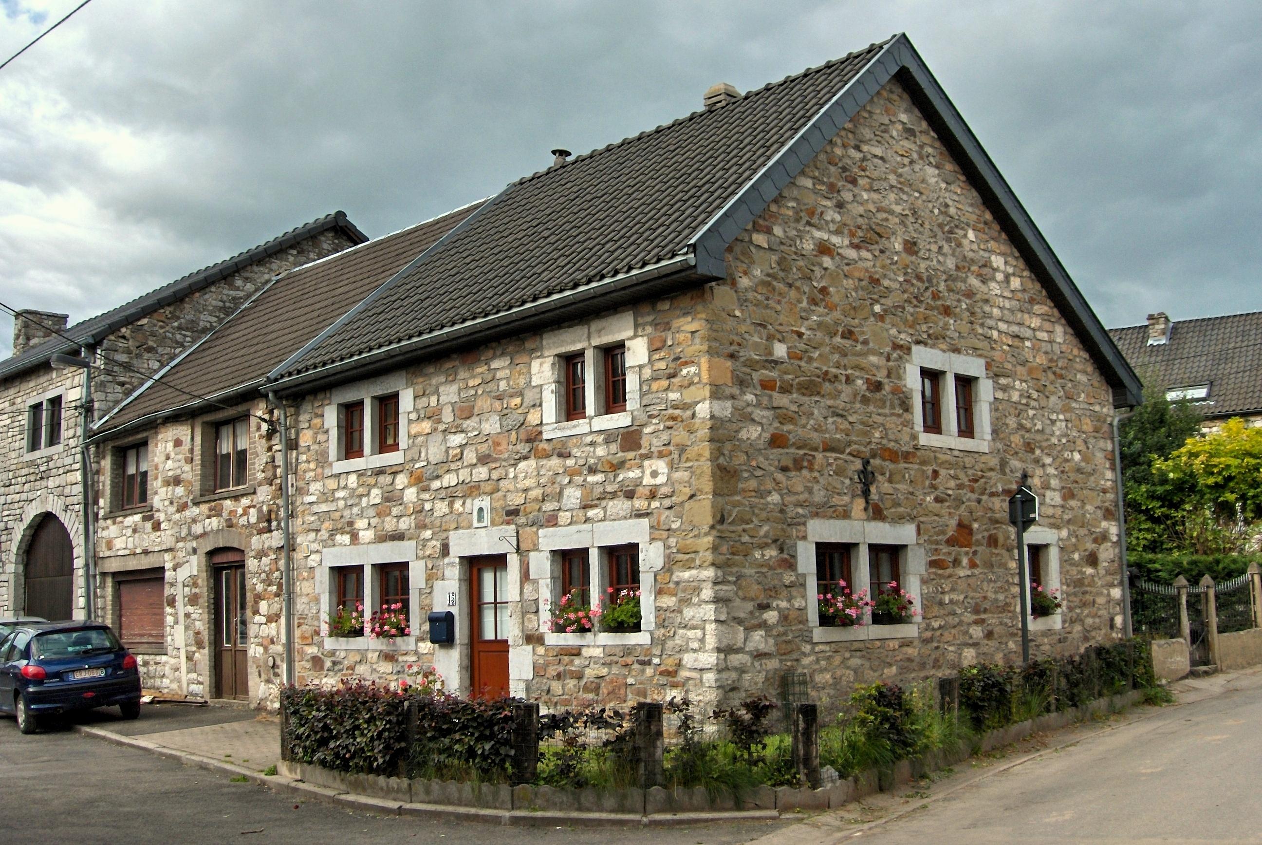 Vieilles maisons ardennaises a deigne 1 echos du for Maison minimaliste belgique