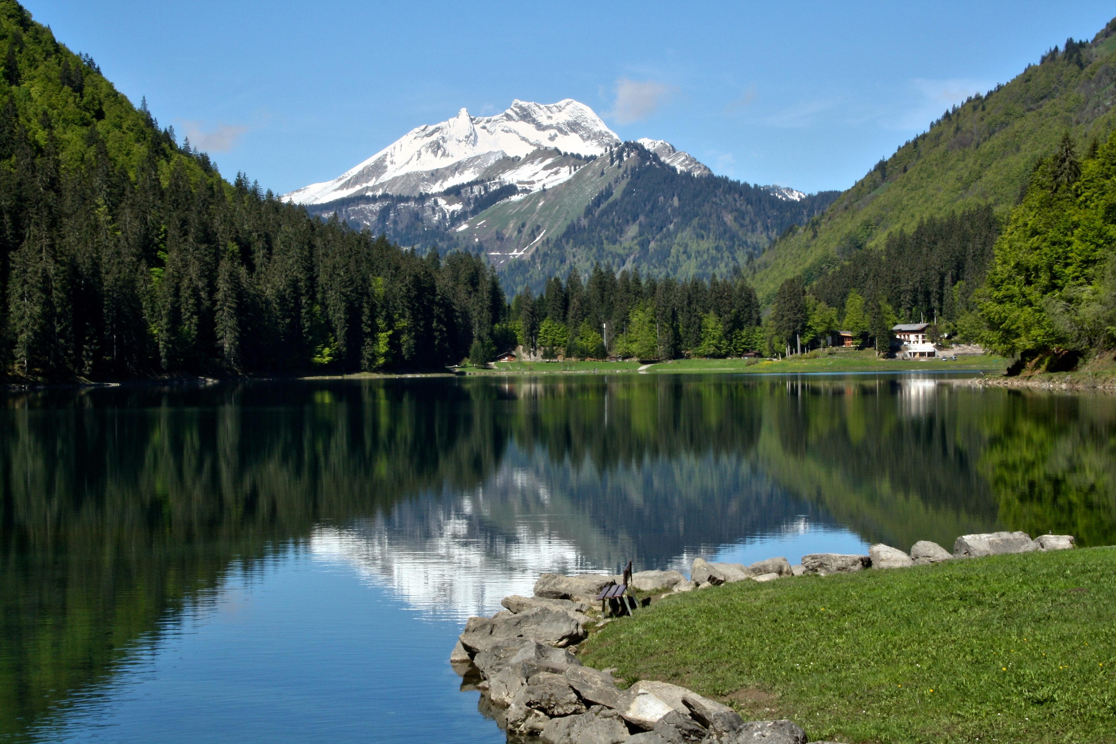 le lac de montriond et le roc d enfer 2243 m haute savoie france echos du terroir et d. Black Bedroom Furniture Sets. Home Design Ideas